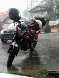 hujan deras pake angin kenceng