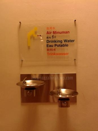drinking water. haratessss...