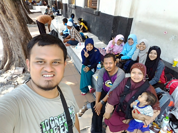 gabung sama orang Gresik, Surabaya, Kuningan, Lampung.