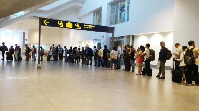 antrian imigrasi paspor Malaysia