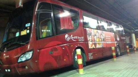 Penampakan bis ke Genting Highlands