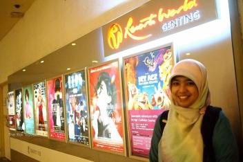 semacam poster2 film dan pertunjukan