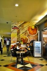 tempat makan yang sepi